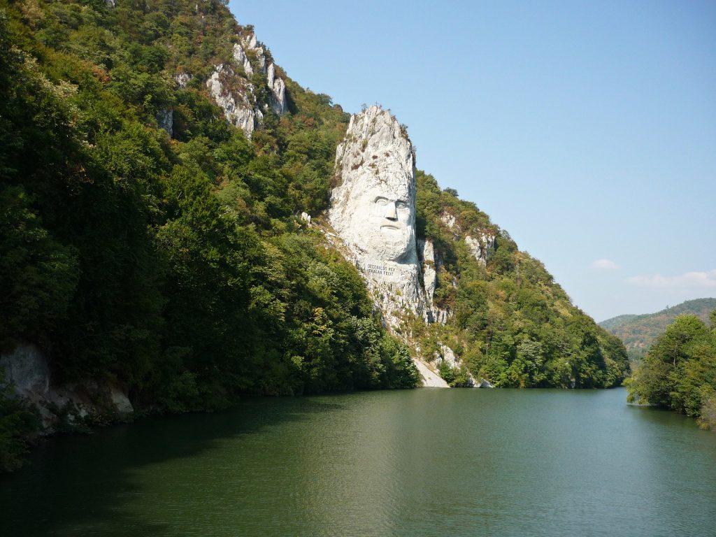 Decebal Cazanele Dunarii